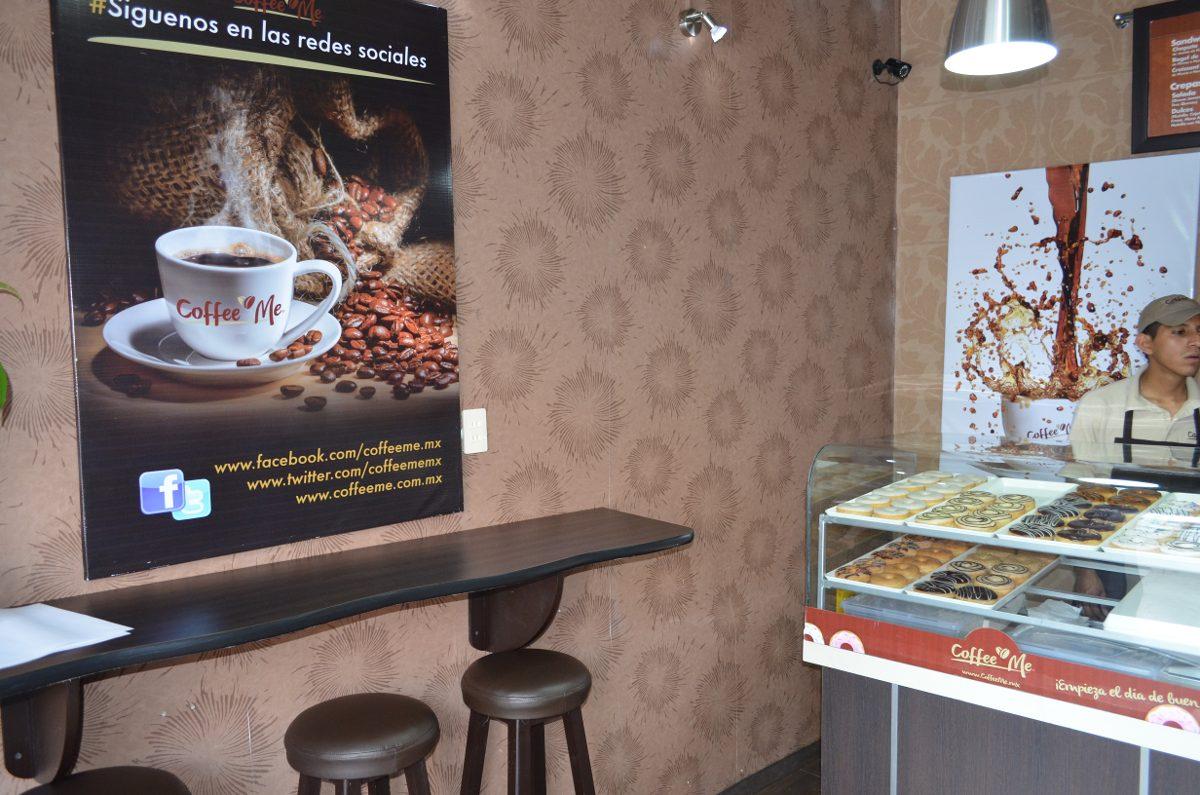 Mesas cafeteria resturante barras mobiliario cafeterias for Mobiliario cafeteria segunda mano