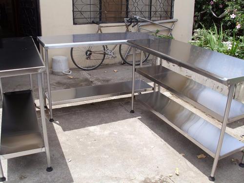 mesas de acero inoxidable incluye movilidad