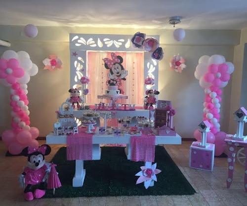 mesas de fantasía infantiles y arreglos con globos