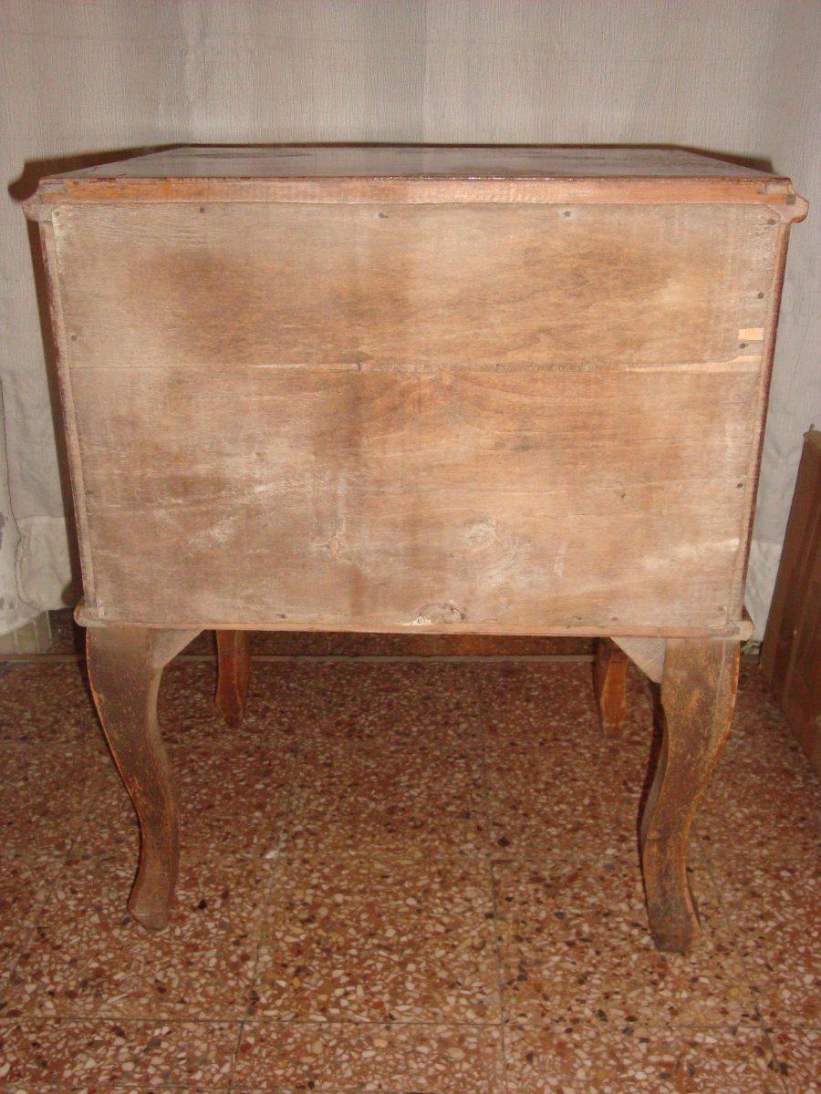 Mesas de luz antiguas estilo frances en - Estilos de sillas antiguas ...
