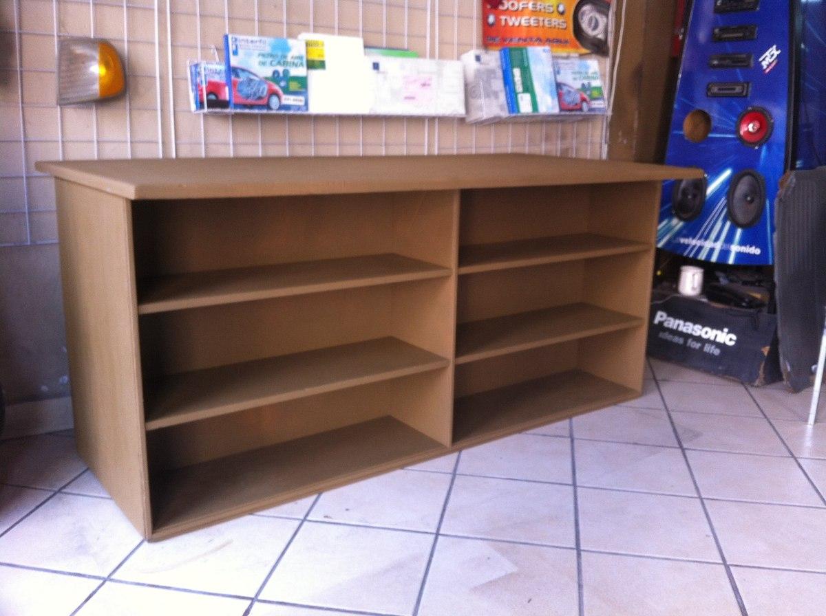 Mesas de madera para exhibir ropa calzado librer a etc for Modelos de muebles de madera para zapatos