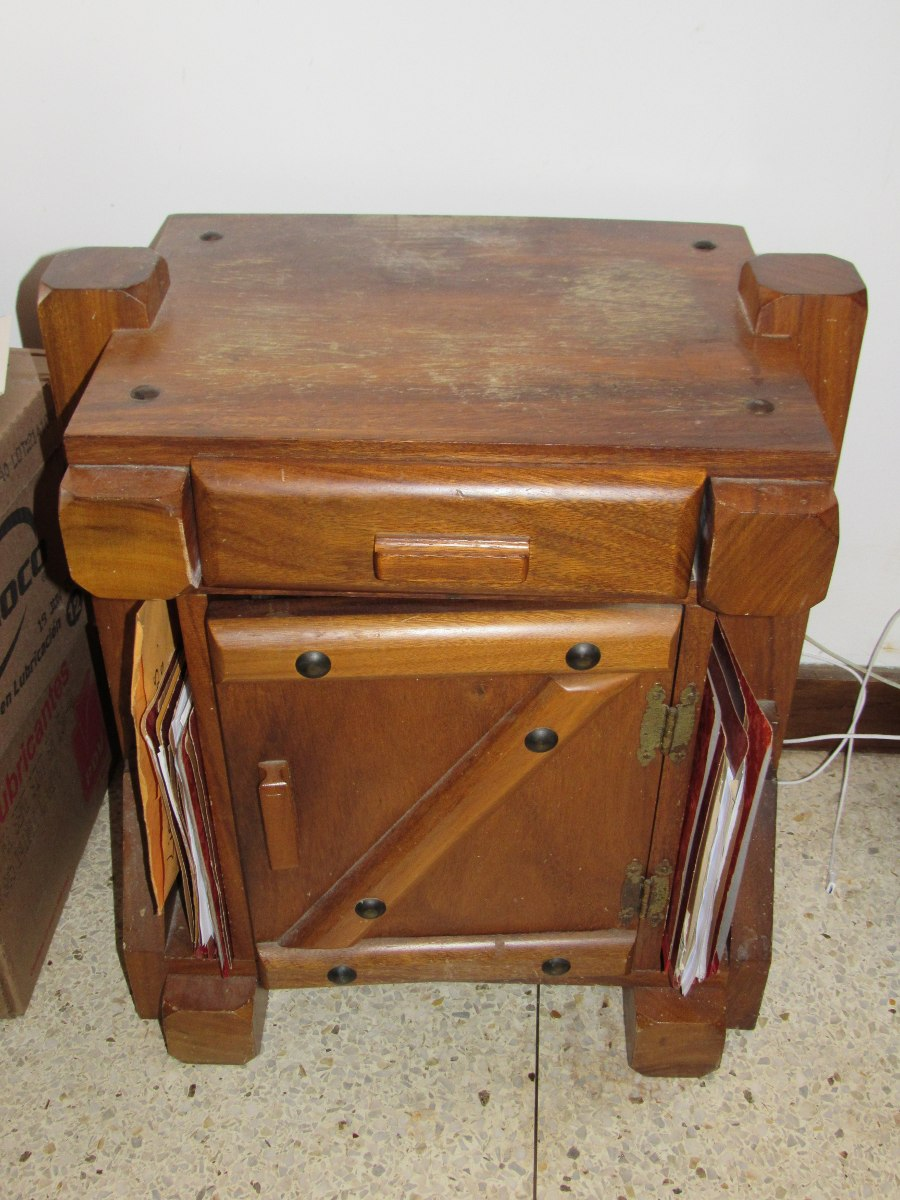 Mesas de noche madera magdaleno bs en mercado libre - Mesas de noche de madera ...
