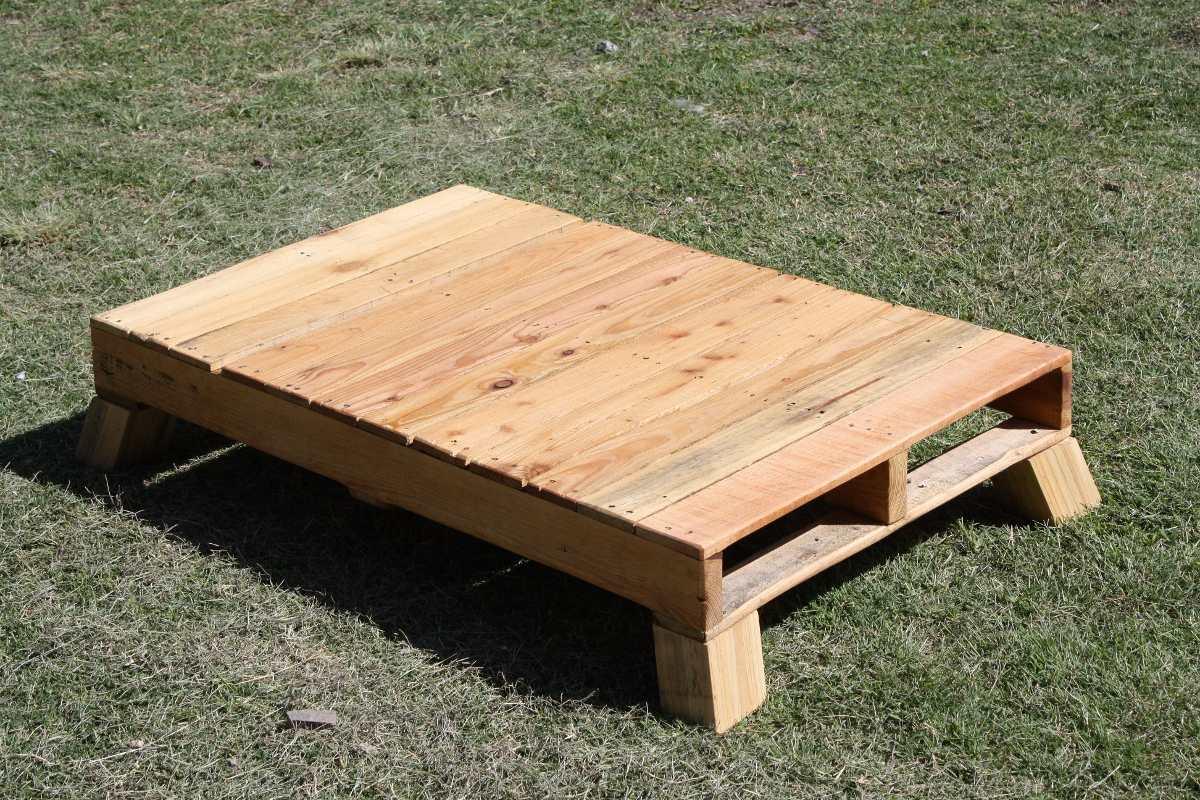 Mesas de tarima reciclada diversos dise os 1 en for Mesas de jardin con tarimas