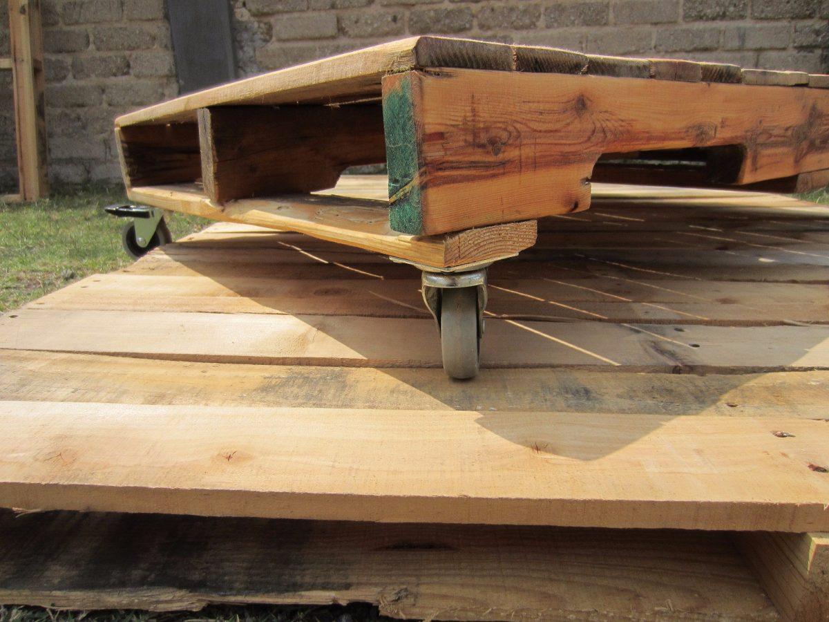 Mesas de tarima reciclada diversos dise os 1 en for Idea de muebles quedarse