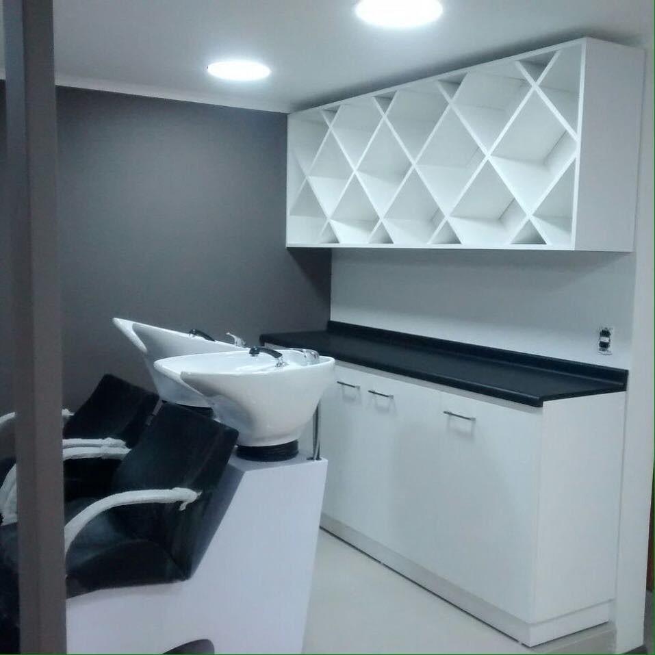 Mesas manicure y muebles para salones de belleza for Mobiliario de salon moderno
