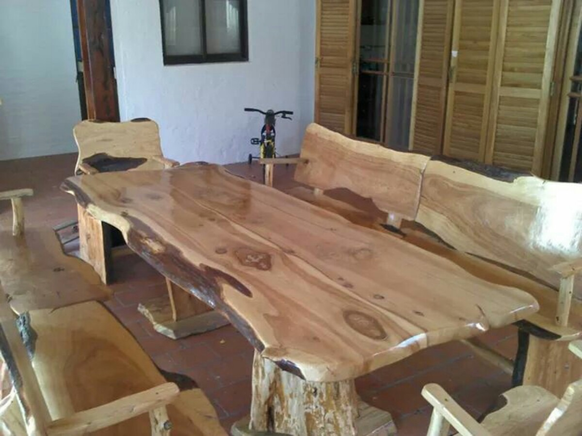 Mesas Rusticas Estilo Tronco En Cipres - $ 3.800,00 en Mercado Libre