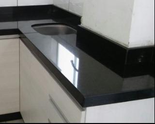 Mesas y muebles de de m rmol cuarzo granito rojo negro for Marmol blanco con vetas negras