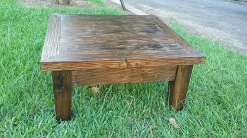 mesinha de centro em madeira de demolição