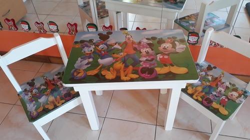 mesita +2 sillitas de madera hombre araña pintadas y tapizad