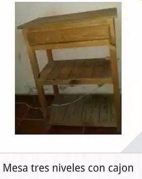 mesita de madera 3 estantes + cajon