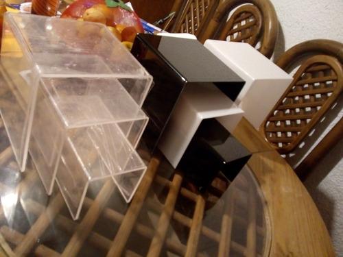 mesitas de acrílico. para decoración o exhibidores