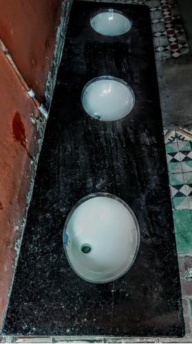 mesón de tres lavamanos corona en marmol