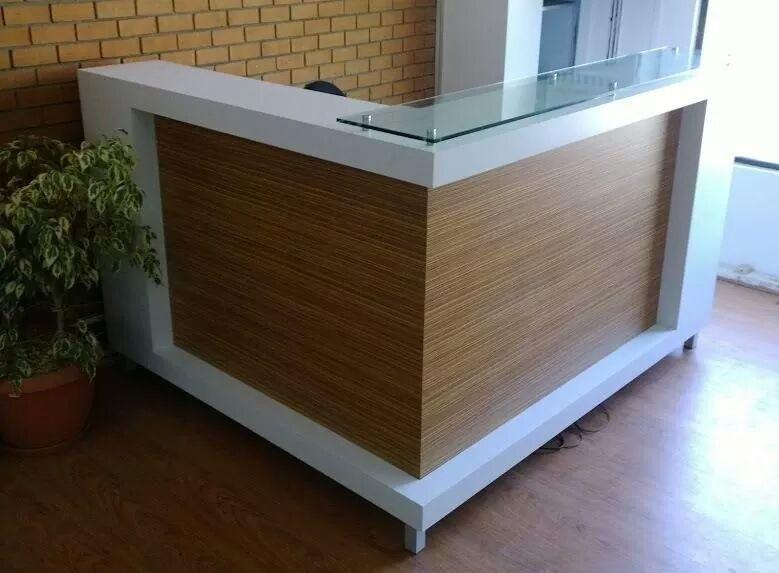 Mesones recepci n muebles de oficina escritorios for Mobiliario de oficina recepcion
