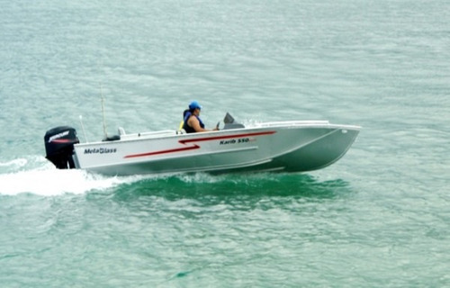 metalglass karib 550 - 0 km - somente o barco - bravonautica
