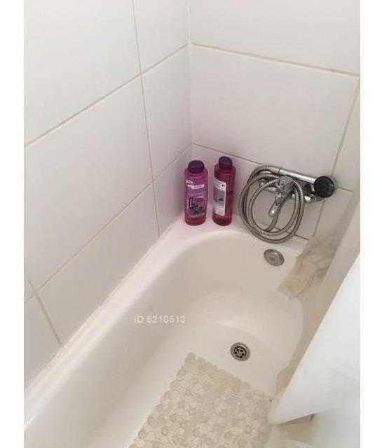 metro almagro / baño con ventilación natural