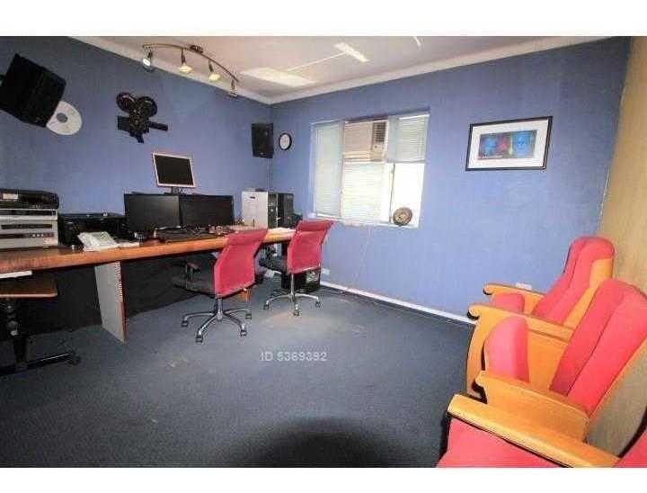 metro bilbao, excelente ubicación!!! casa-oficina.