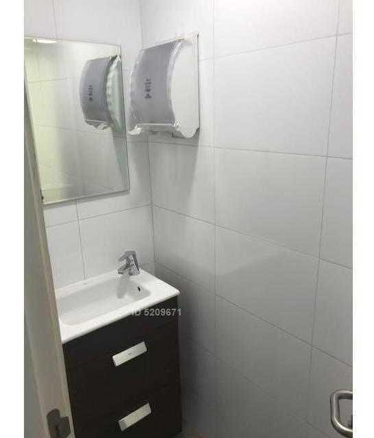 metro ñuñoa impecable oficina con 6 estacionamientos+amplio showroom+3 privados+4 baños