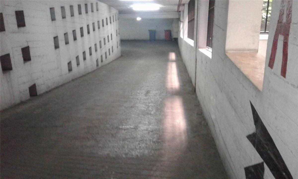 metro plaza armas