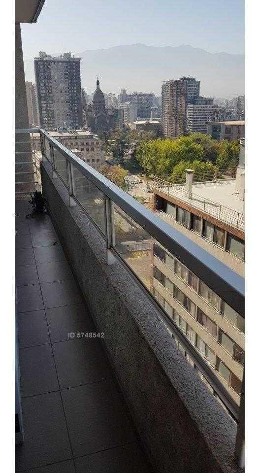 metros / plaza / sta isabel / lord cochrane 376