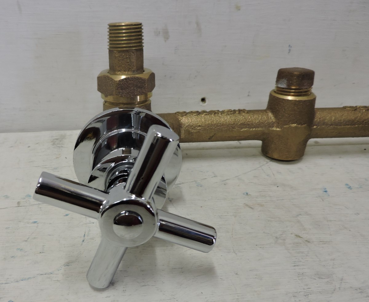 Mezcladora para empotrar regadera o tina rugo for Arbol para llave de regadera urrea