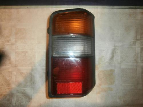 mica stop trasero (derecho) panel l300