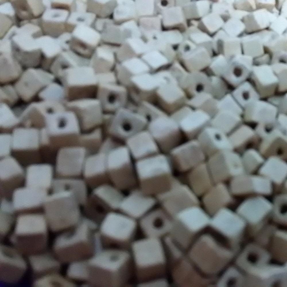 Miçangas Contas Quadrada De Madeira Clara 05 Mm 250g R 1290 Em