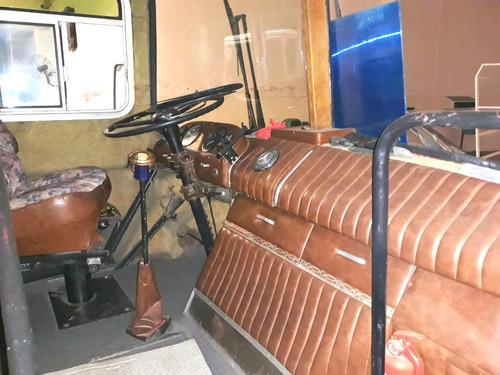micro rodante y taller competicion mercedez benz con carpas