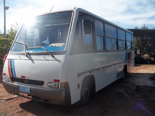 microbus maxibus del año 2000