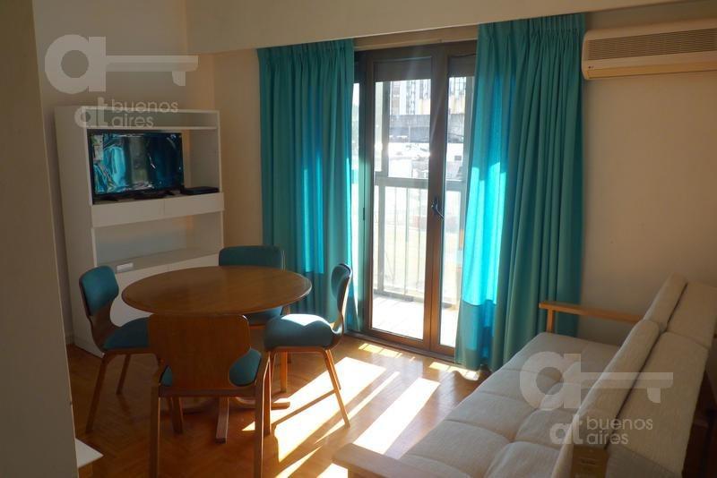 microcentro. departamento 2 ambientes con balcón. alquiler temporario sin garantías.