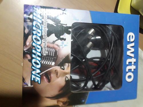 micrófono  nuevo  en caja vienen  conversable