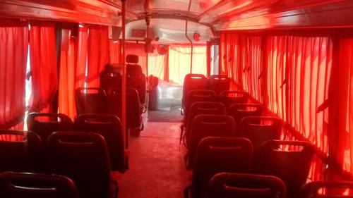 microomnibus escolar mercedes benz 1115 modelo 2002.
