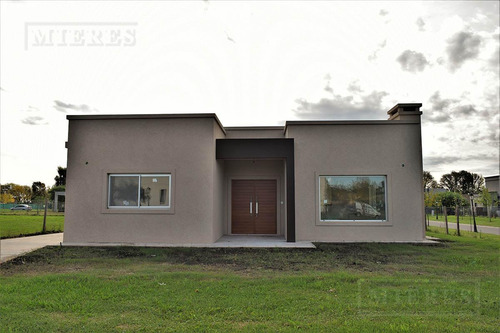 mieres propiedades- casa de 144 mts en pilar del este - santa guadalupe