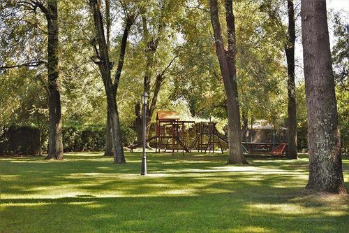 mieres propiedades - casa de 450 mts. en highland park