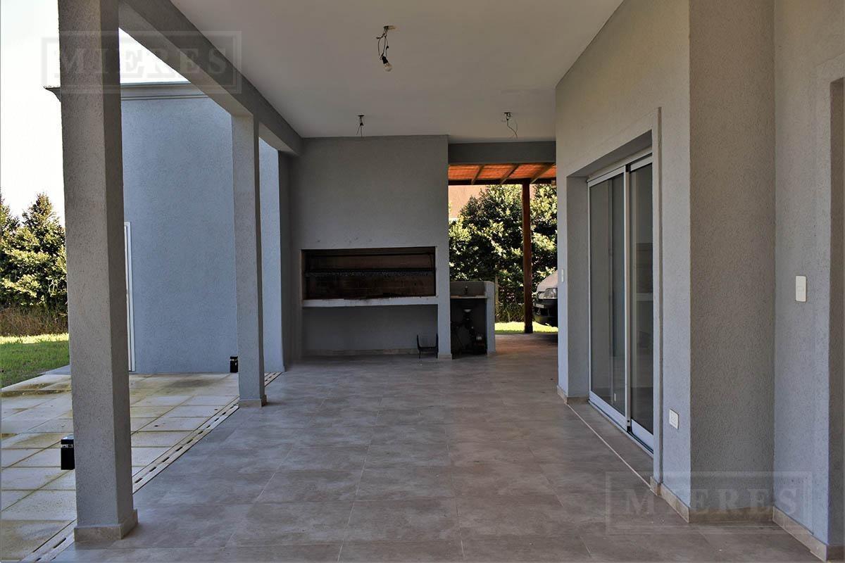 mieres propiedades - casa en venta de 226 mts en las liebres