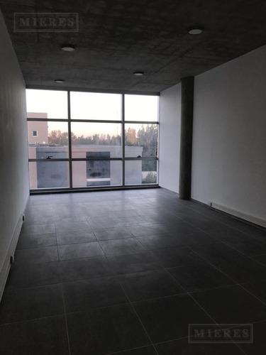 mieres propiedades- oficina de 39 mts en 46 plaza officia pilar