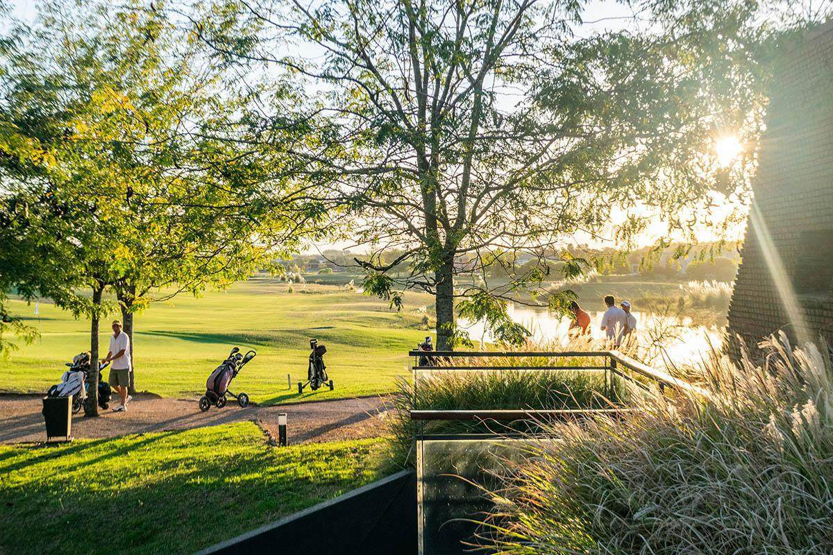 mieres propiedades- terreno de 2100 mts en estancias del pilar estancias golf