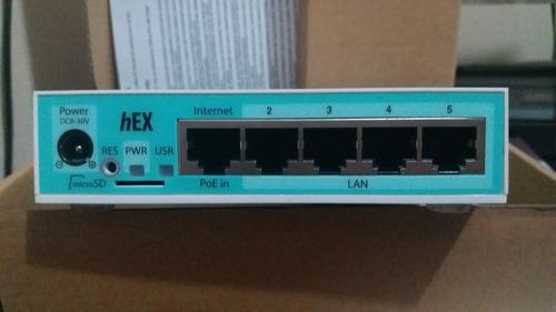 mikrotik- routerboard rb 750gr3 hex 880mhz 256mb l4