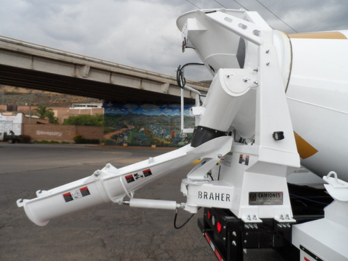 minero revolvedor de concreto 3 m3  btr-300 año 2020