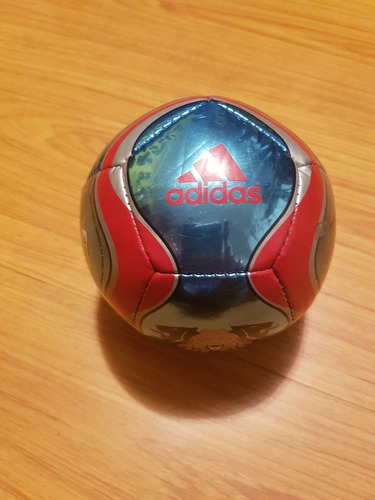 mini balon adidas numero 1