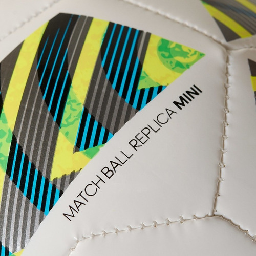 8b5a18ad8d Mini Bola adidas Errejota Fifa Ac5400 - Preto branco - U - R  49