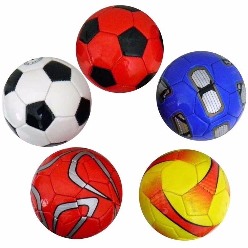 5efe51023 mini bola de futebol várias cores infantil crianças natal. Carregando zoom.