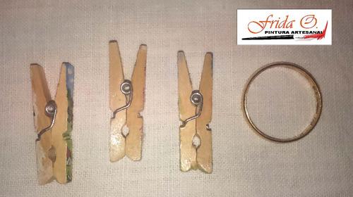 mini broches de madera decorados artesanalmente