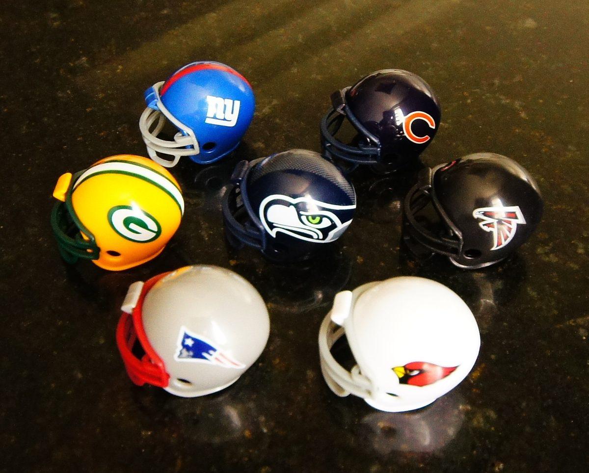 Mini Capacete Futebol Americano Nfl - Patriots f6f834bd3a7a9