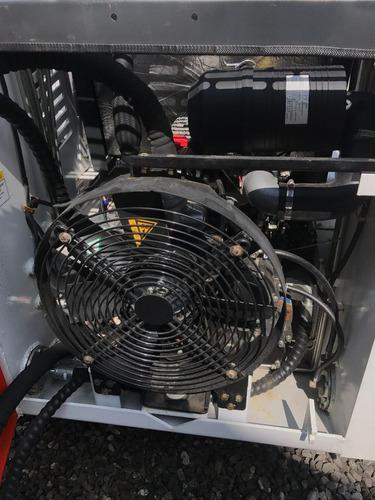 mini cargadora nueva  motor 50hp 4x4