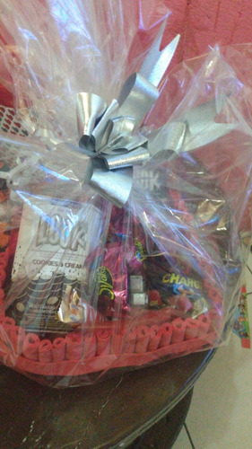 mini cestas de chocolate p presentear formato de coração