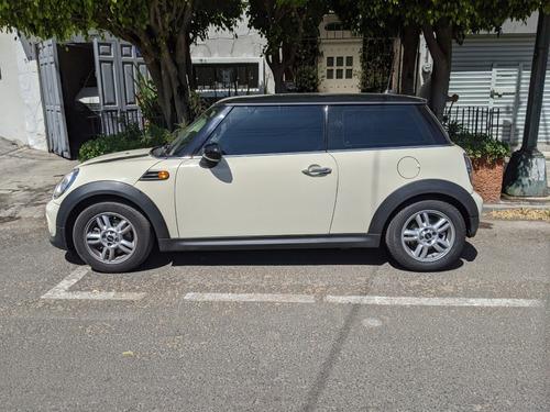 mini cooper 2013 blanco. automático. 91,000 kms. único dueño