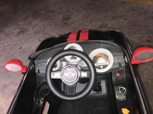 mini cooper eléctrico un motor negro control remoto