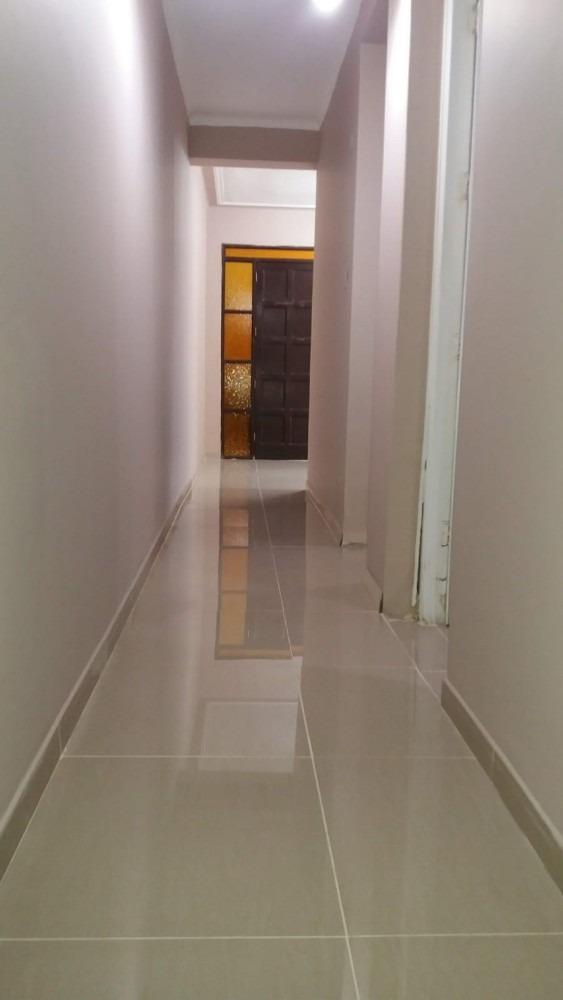 mini departamento en alquiler con 3 condominios, de 3 pisos