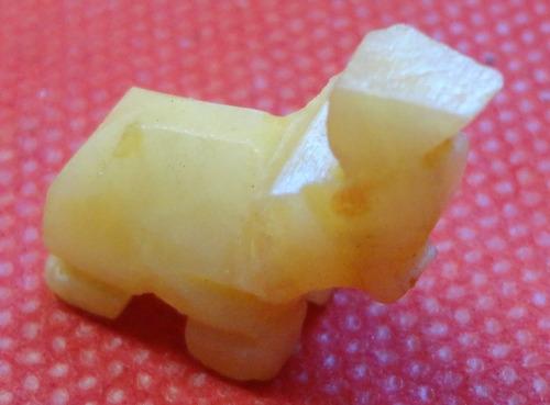 mini elefante talhado em resina -  a28