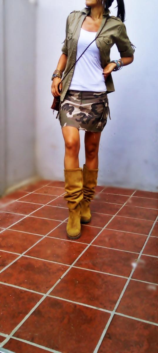 3e7e9b99c2 mini falda recta camuflada bolsillos cargo estilo militar. Cargando zoom.